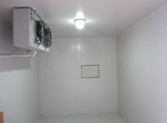 冷库中排除异味的方法
