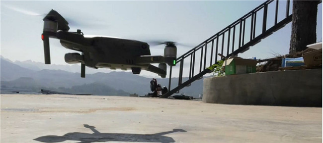 """云南省文山州应用无人机在边境巡逻并劝返90多名""""三非""""工作人员"""
