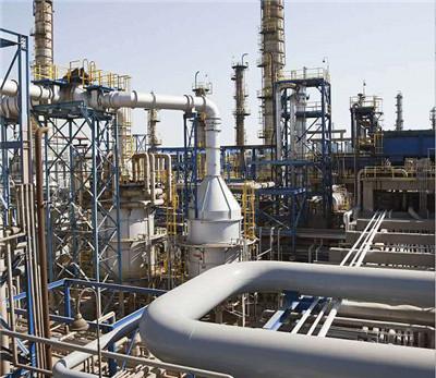 与石油化工厂合作管道大小头安装