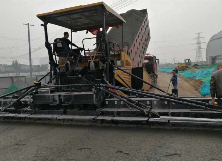 就西安水泥稳定碎石项目与市政道路合作摊铺工程