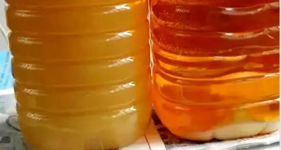 菜籽油存放过程中出现不一样的颜色是正常吗