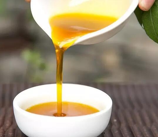 菜籽油的味道怎么样?辨别菜籽油好坏用什么方法呢?