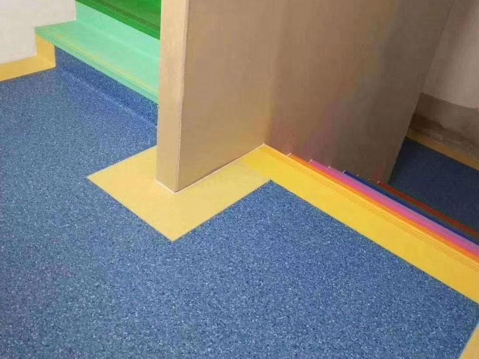 楼梯踏步pvc地板