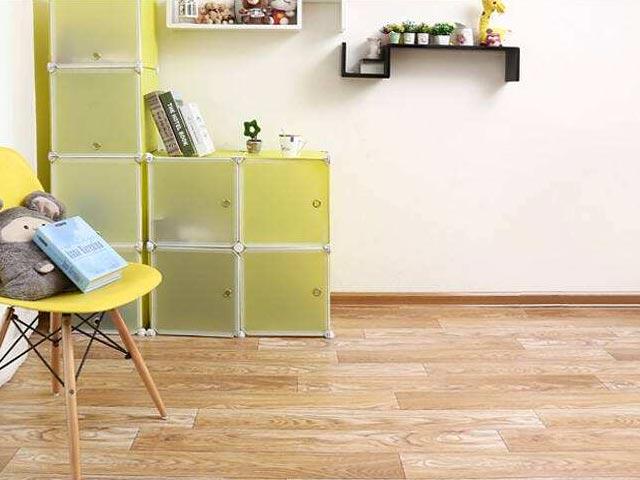 幼儿园木纹pvc塑胶地板