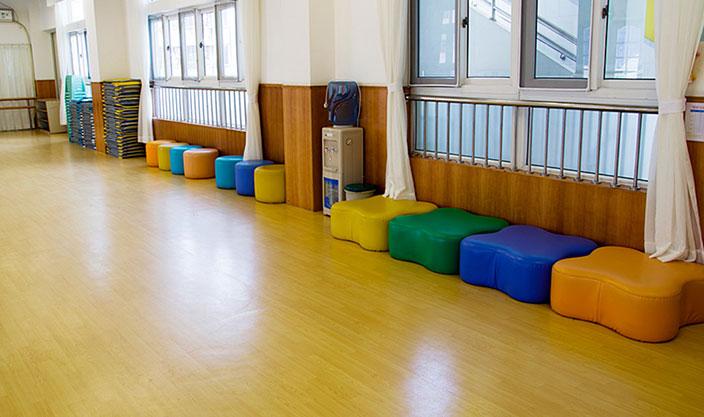 幼儿园地板铺设案例