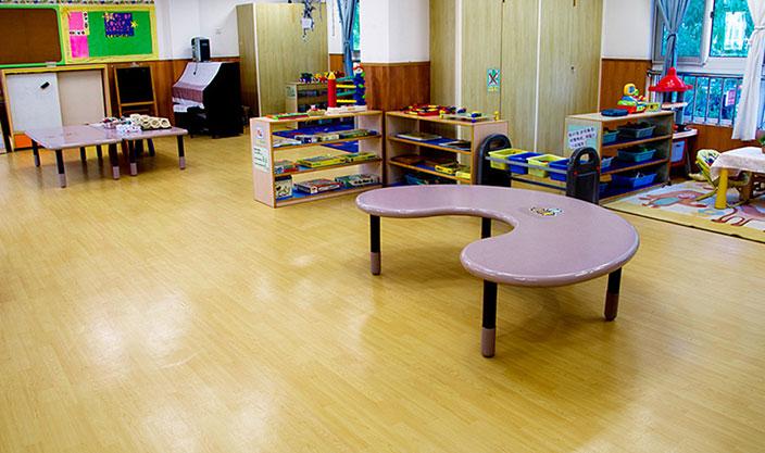 幼儿园塑胶地板工程