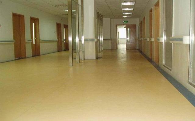 济南塑胶地板多少钱一平方米?