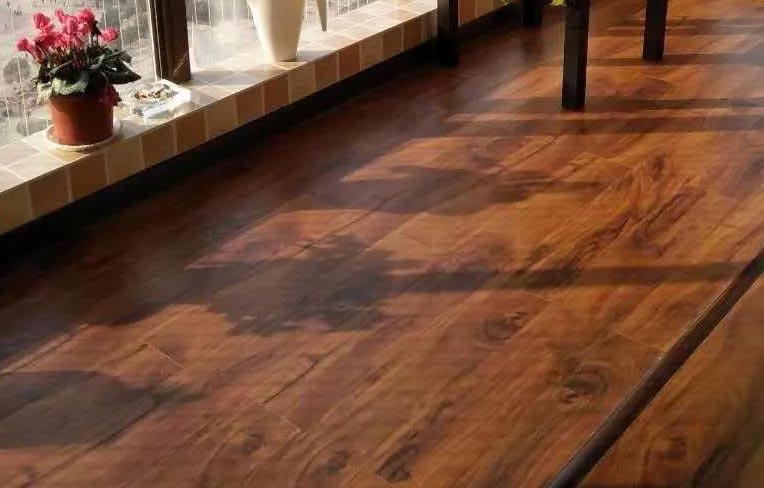 SPC锁扣石塑地板的优势