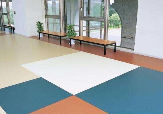 弹性PVC塑胶地板有没有毒?