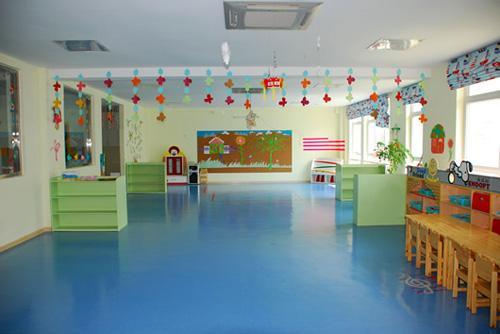 山东幼儿园塑胶地板怎么维护