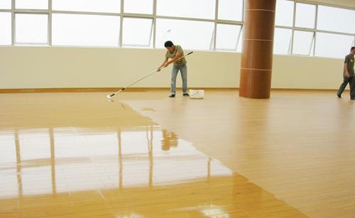 塑胶地板打蜡