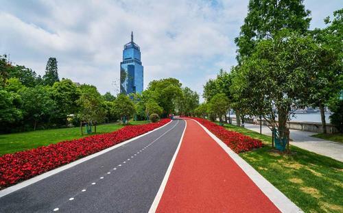 彩色防滑路面具有哪些性能?具有哪些特点?