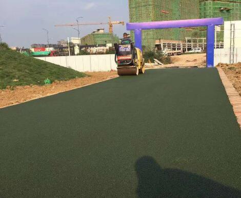 四川彩色沥青路面施工公司为您介绍沥青路面施工注意事项