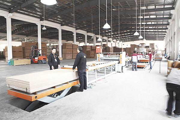 成都商超展櫃生產工廠
