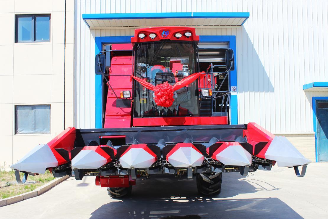 吉林牧神公司2020 年首批玉米机整机下线