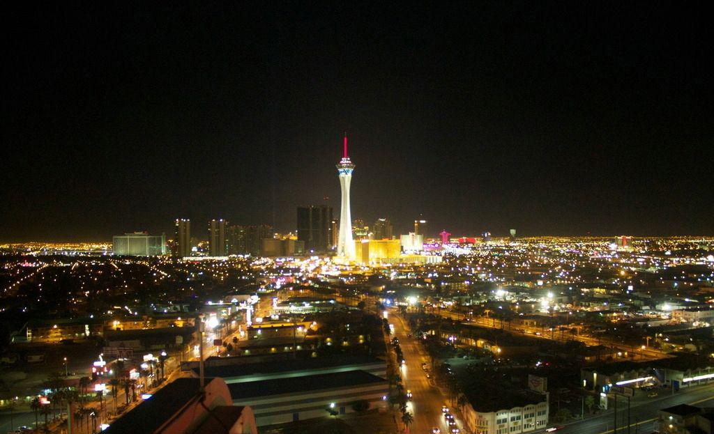 让景观亮化工程照亮美丽中国