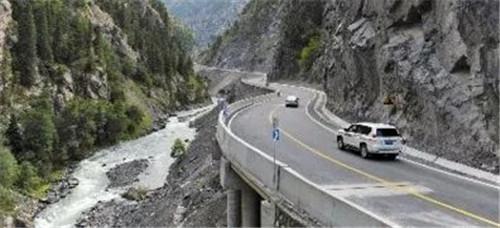 车速提升一倍!乌鲁木齐到库尔勒的这条路完工通车