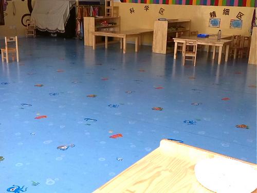 日常中的塑胶地板比较地毯好的优势有哪些呢