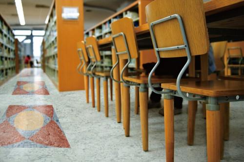 塑胶地板在出现划痕之后要怎么处理呢