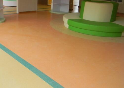 PVC塑胶地板使用之后可以通过这四步去进行保养了