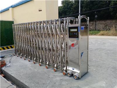 捷鹰科技-龙泉驿7、52米不锈钢天鹰门安装案例