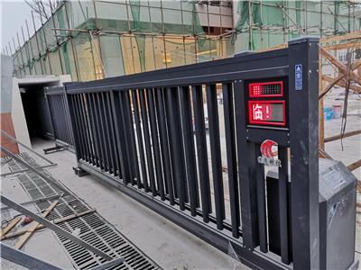 捷鹰科技-崇州全友家具安装18.6米直线门安装案例