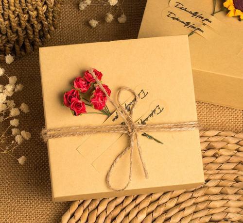 礼品包装盒厂家对高端品牌包装设计的要求