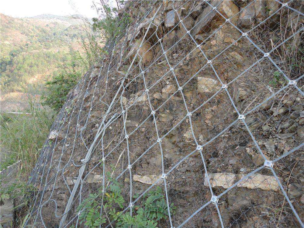 金属丝网厂家向你介绍边坡防护网中的四川主动防护网