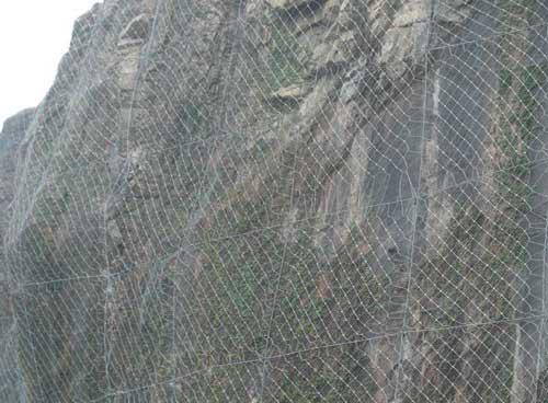 成都防护网厂家告诉你边坡防护网为什么这么耐用