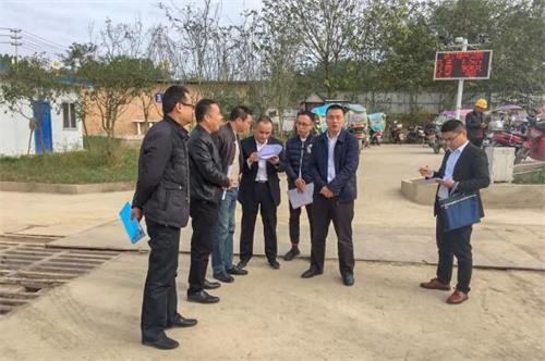 市政府副秘书长陈绍坤,市效能办副主任、市热线中心主任杨奎南带队