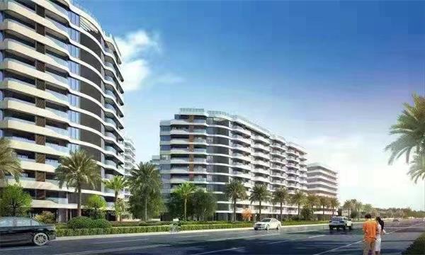 西侧为高层公寓和住宅楼