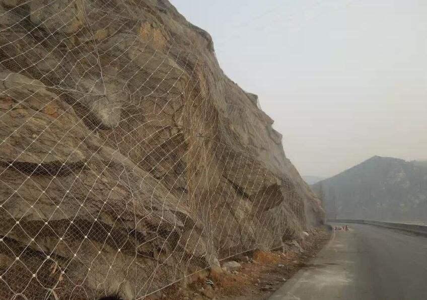 山坡安装成都边坡防护网有哪些制度措施你知道吗