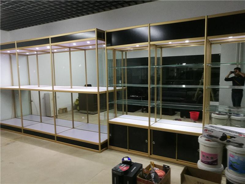 汽车用品玻璃展示柜_恒远商品陈列柜定制