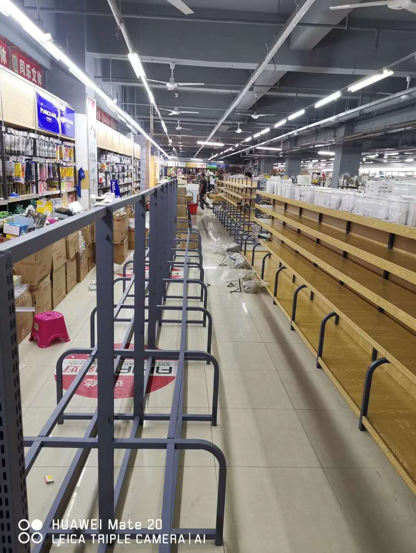 为某宜昌西陵区某大型超市安装货架