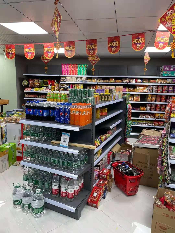 宜昌猇亭区某超市货架安装完成
