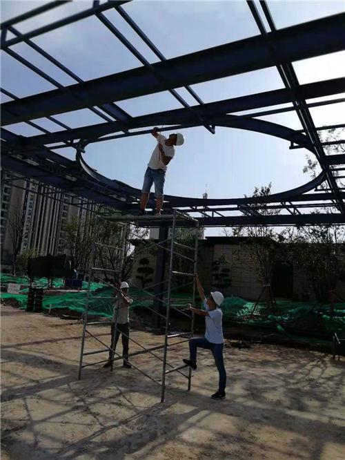 2019年8月湖光锦绣钢结构施工