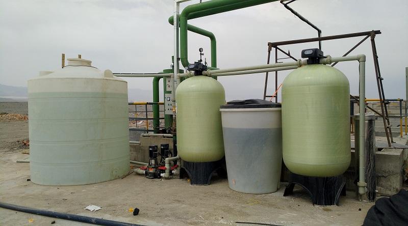 新疆托克逊市华天瓷业公司玻璃钢供水、软水工程