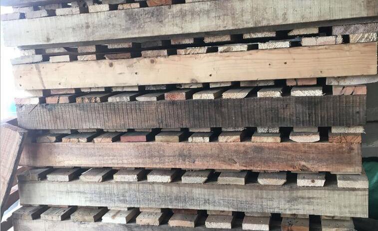 二手木托盘堆放区域