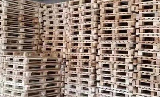 木托盘堆放区域