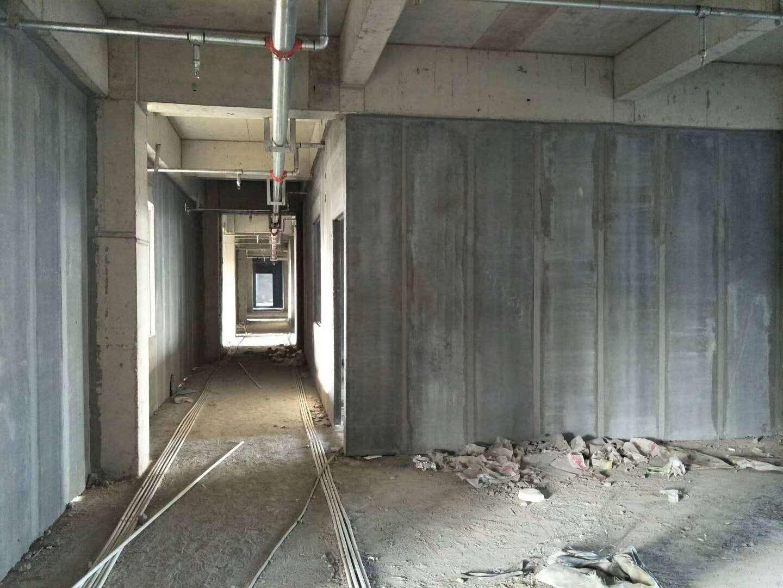 水泥隔墙板施工现场