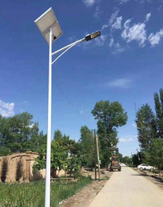我们的太阳能路灯在散热方面是如何来解决的呢