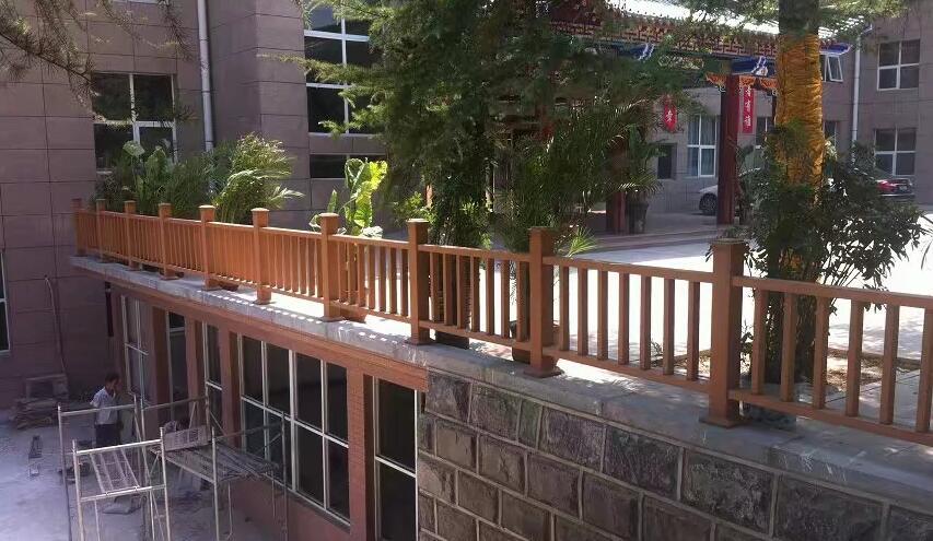 鑫昌盛用防腐木做的木栅栏