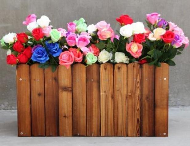 襄阳鑫昌盛厂家介绍下防腐木花箱被广泛使用的三处场所