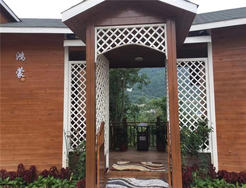 木结构的游玩度假木屋