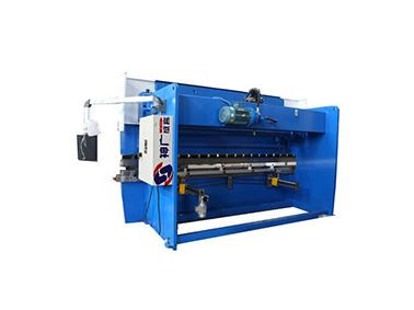 成都剪板机厂家介绍关于剪板机的保护与审查