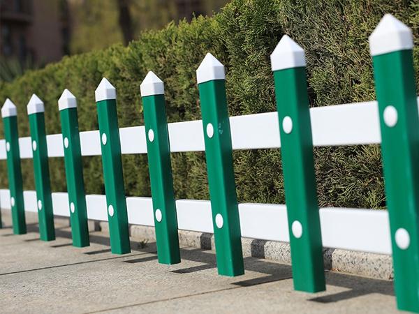 护栏都有哪些功能作用,那种护栏更受欢迎?