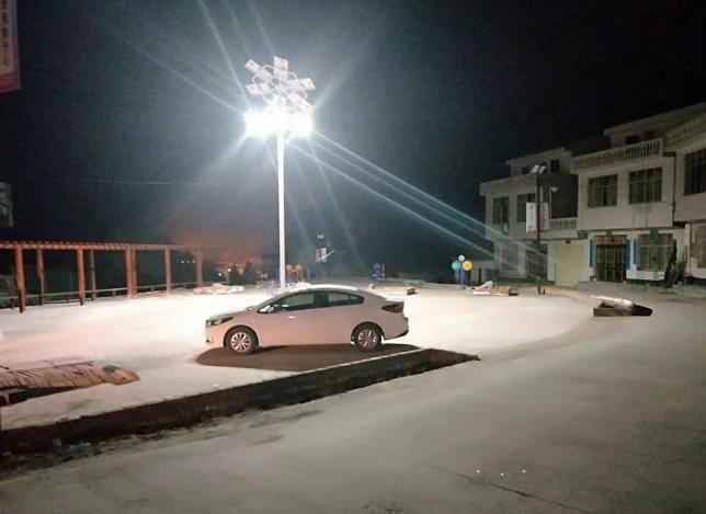 为安康市汉滨区某村提供陕西太阳能路灯安装