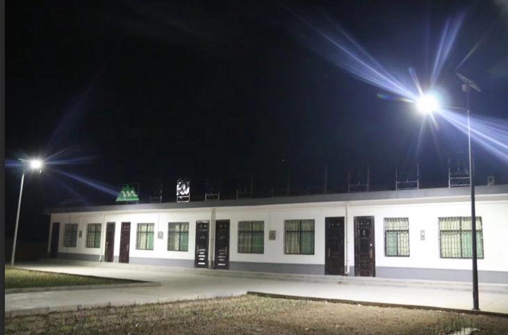 为长武县昭仁街道办大东庄村提供陕西太阳能路灯安装