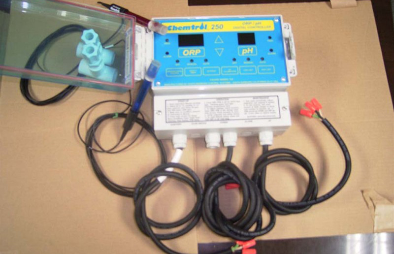 成都游泳池设备-水质监测仪