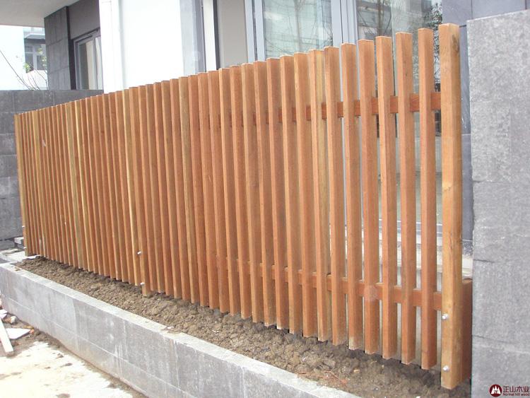 甘肃防腐木栅栏围栏